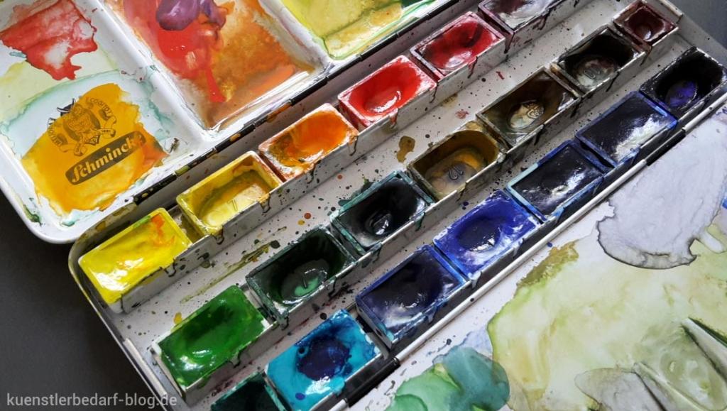 Aquarellkasten mit Aquarellfarben