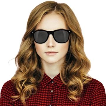 Navaris Wayfarer Sonnenbrille UV400 - Damen Herren Holz - Brille mit Bambus Bügeln - Holzbrille mit Etui - unterschiedliche Farben - 5