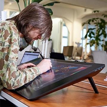Wacom Cintiq Pro 32 Multi-Touch-Display mit 4K / 32-Zoll-Kreativ-Stift-Display mit integriertem Standfuß inkl. Wacom Pro Pen 2 Stylus mit Stifthalter und Ersatzspitzen, kompatibel mit Windows und Mac - 7